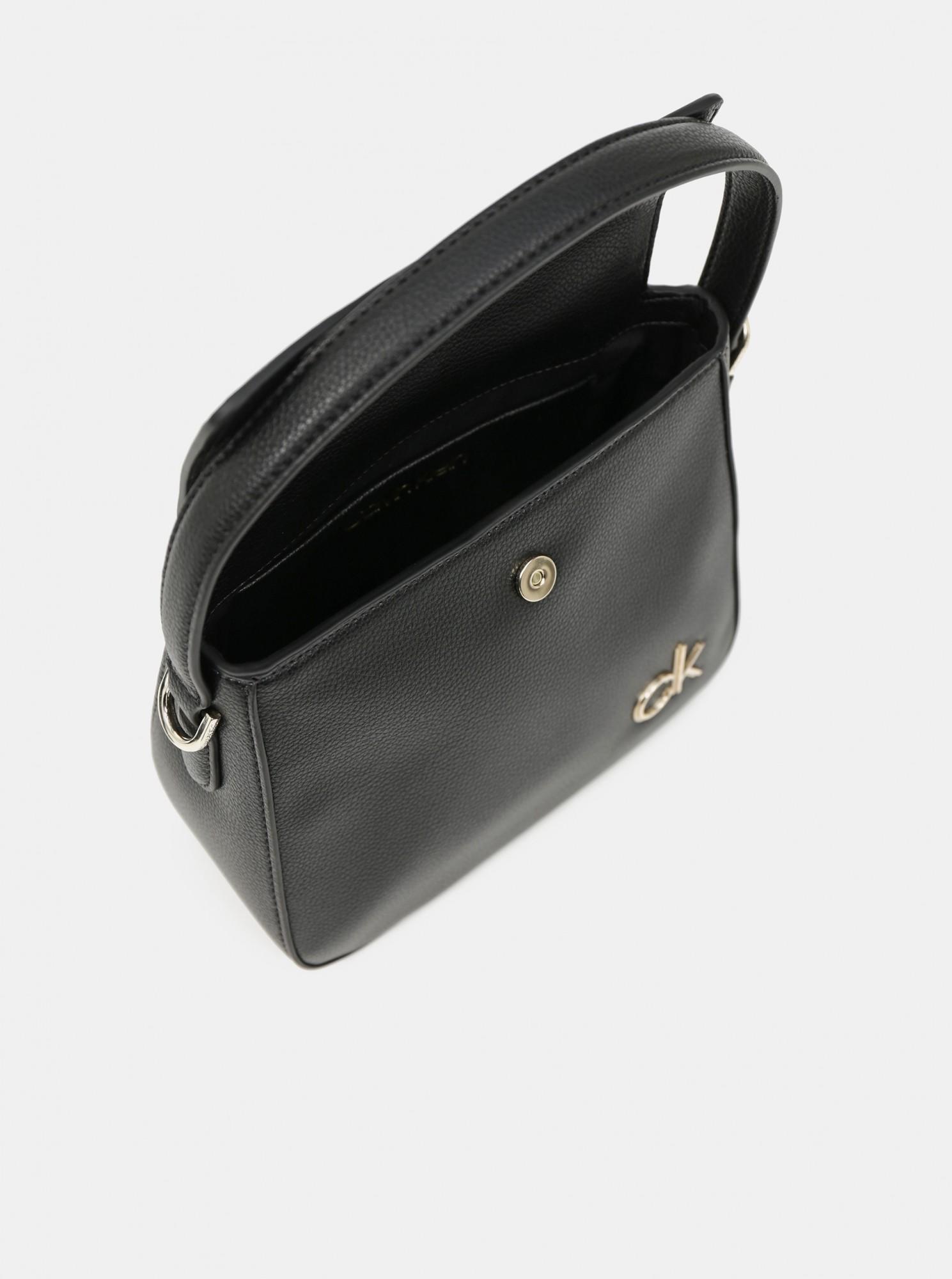 Calvin Klein černá kabelka Hobo W/Flap