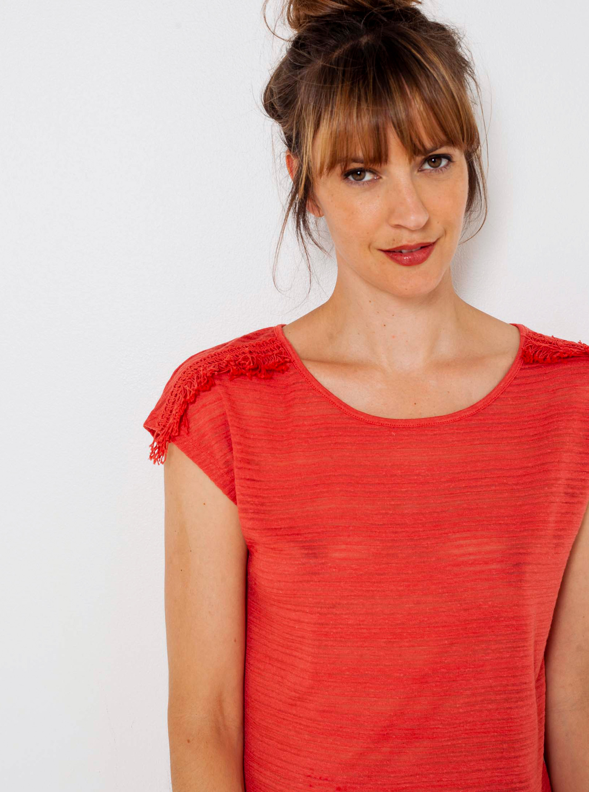 CAMAIEU červené tričko