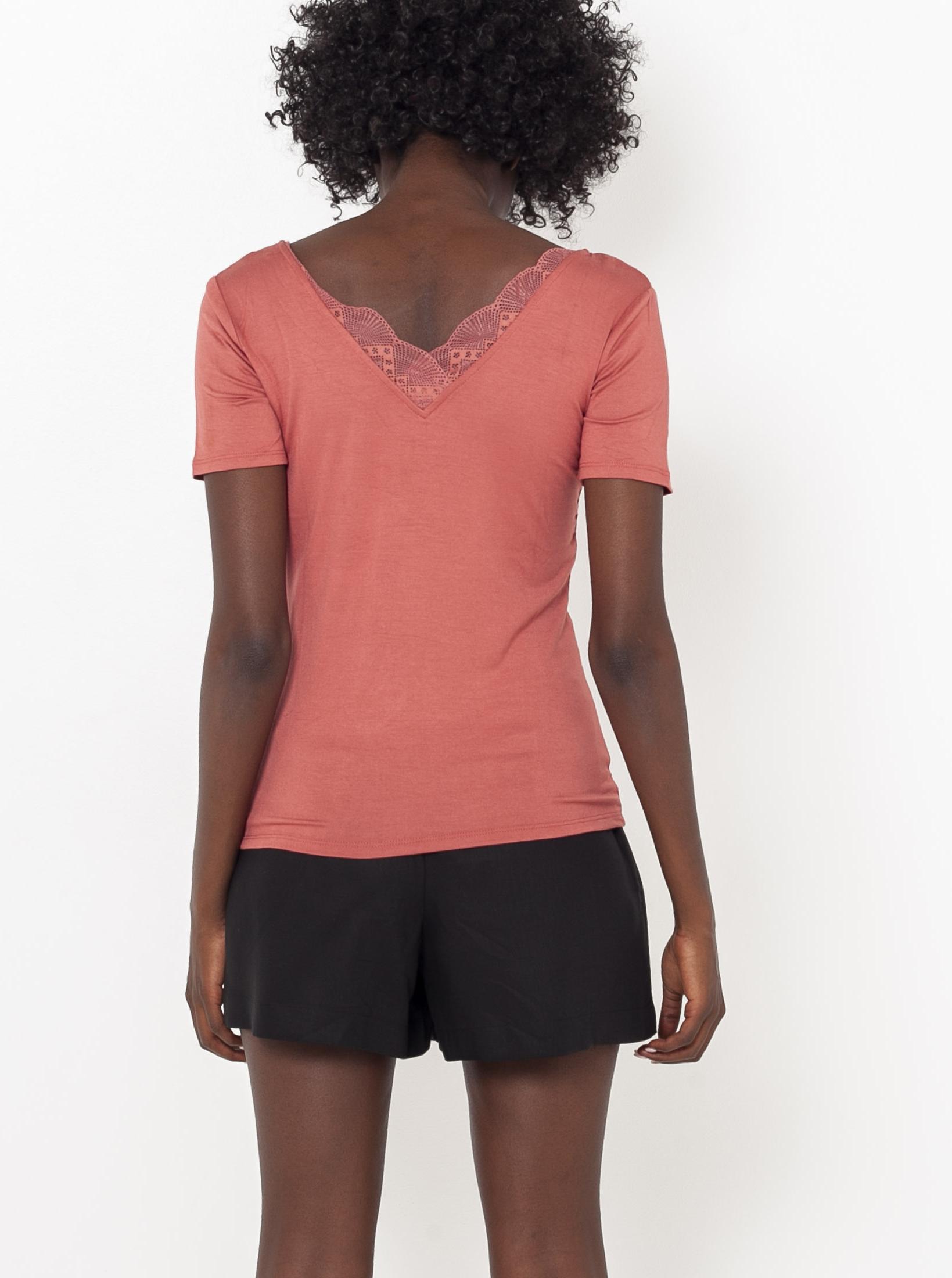 Meruňkové tričko s krajkovou vsadkou CAMAIEU