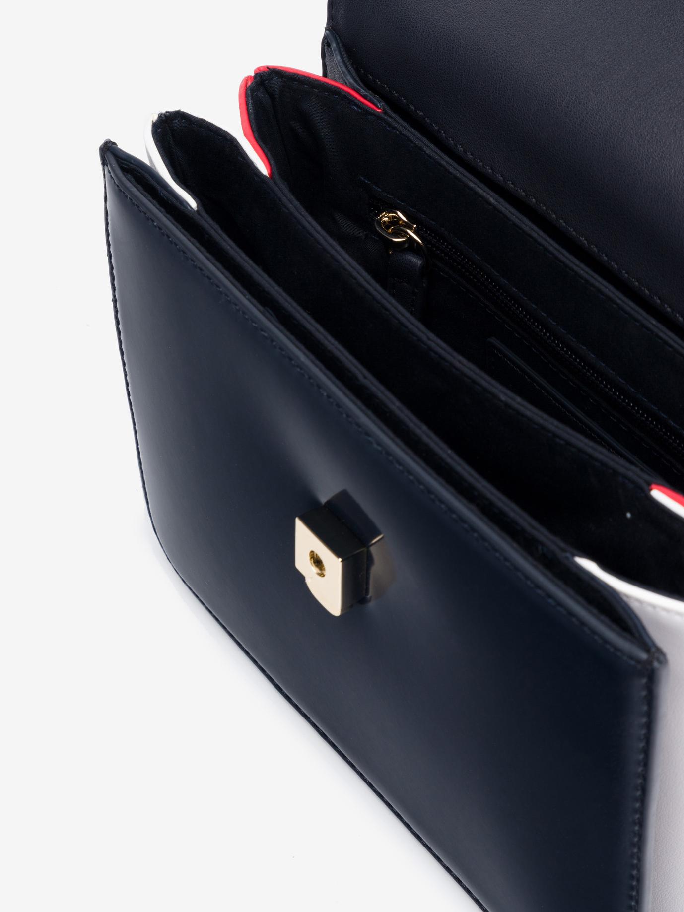 Tommy Hilfiger modrá crossbody kabelka Monogram Plaque