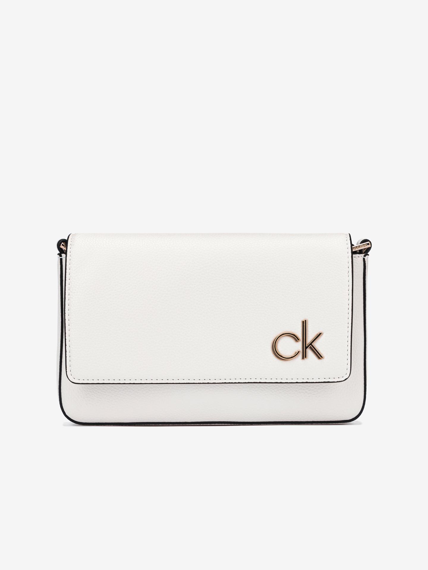 Calvin Klein bílé crossbody kabelka Ew Flap