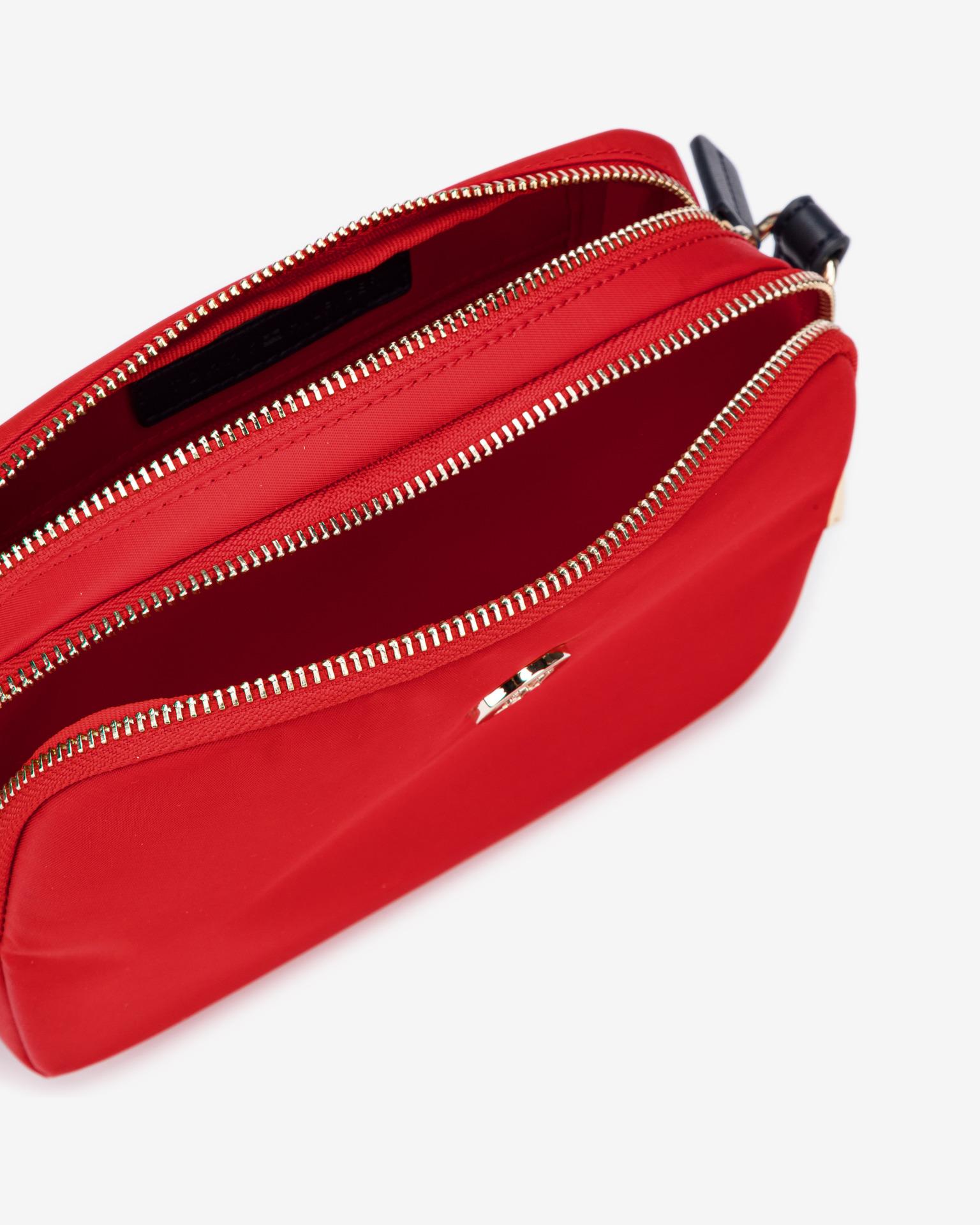 Tommy Hilfiger červená crossbody kabelka Poppy