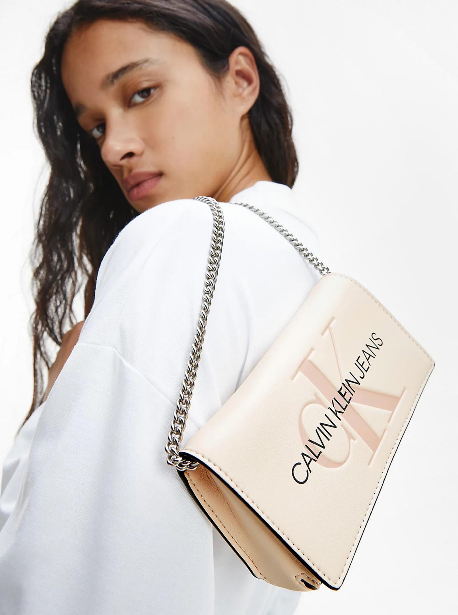 Calvin Klein smetanová crossbody kabelka