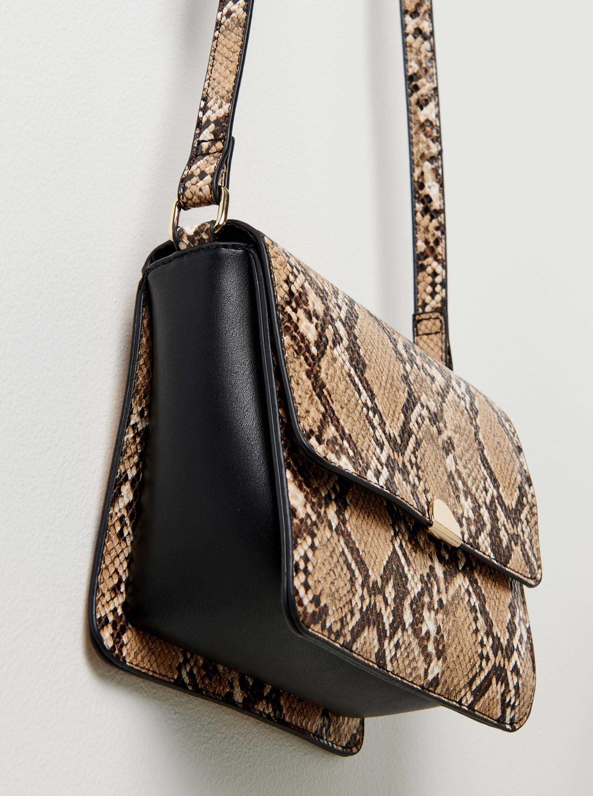 Hnědá crossbody kabelka s hadím vzorem CAMAIEU