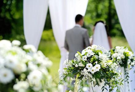 Srpen - čas svatebních outfitů