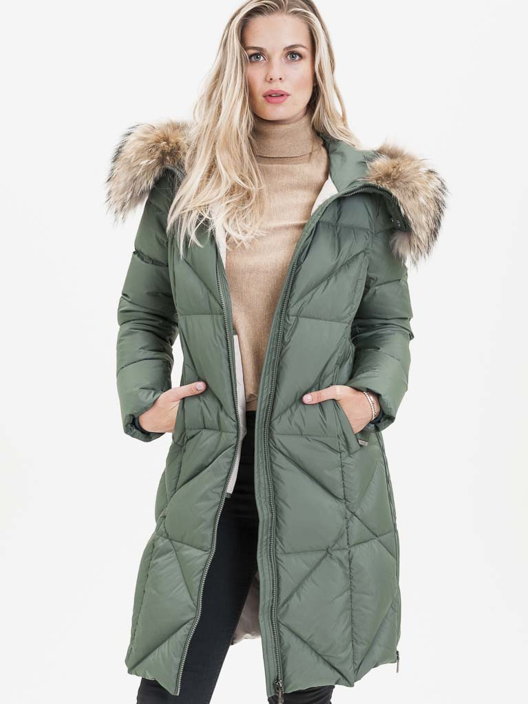 Zelený dámský prošívaný kabát s pravou kožešinou KARA - M