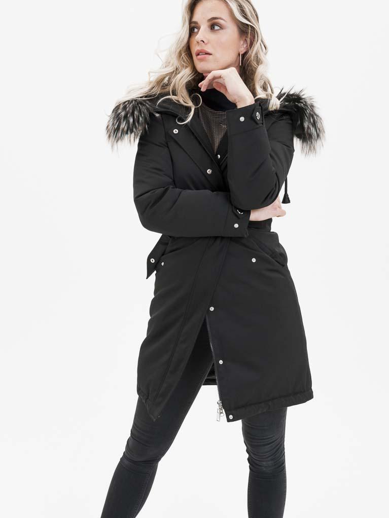 Černý dámský kabát s pravou kožešinou KARA - L