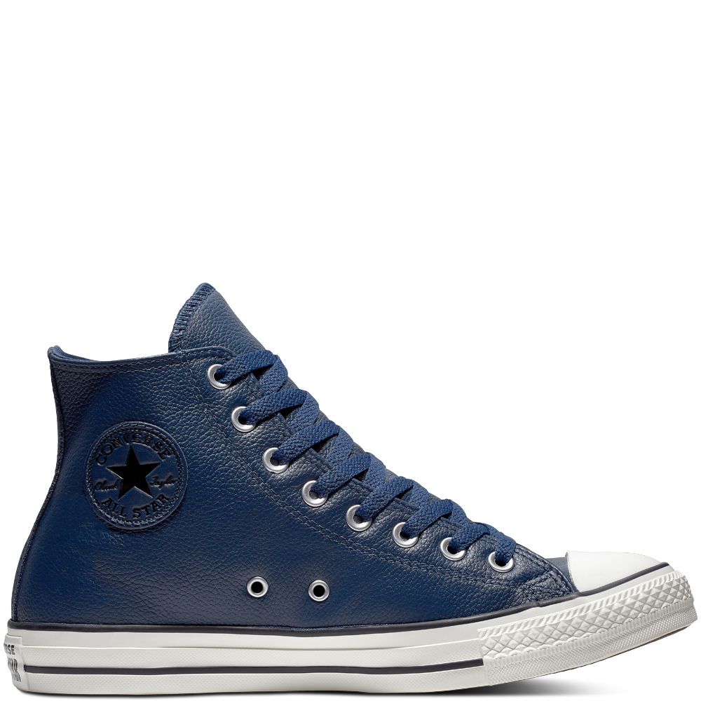 White #Converse #Chucks Chuck Taylor low tops; #tennis shoes