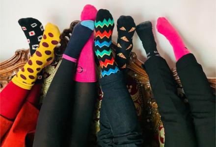 Proč se první jarní den nosily různé ponožky?