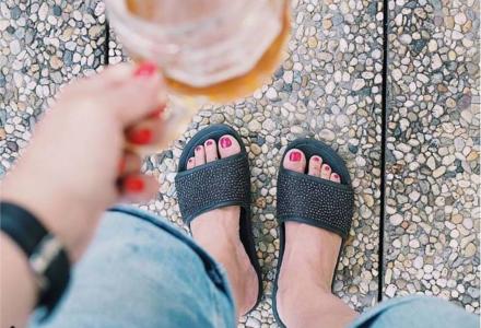 Zdravotní pantofle jako módní trend
