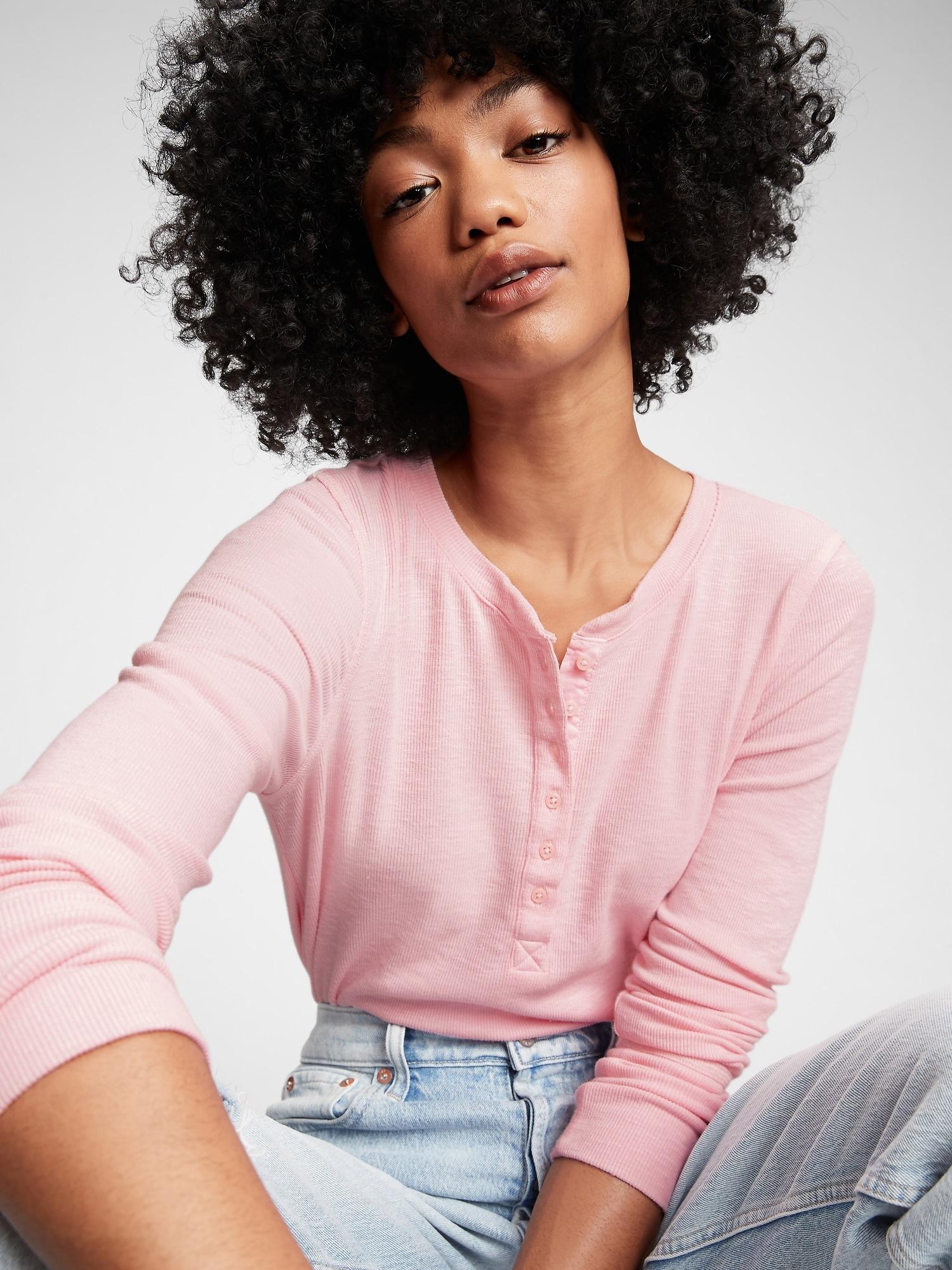 GAP růžové tričko