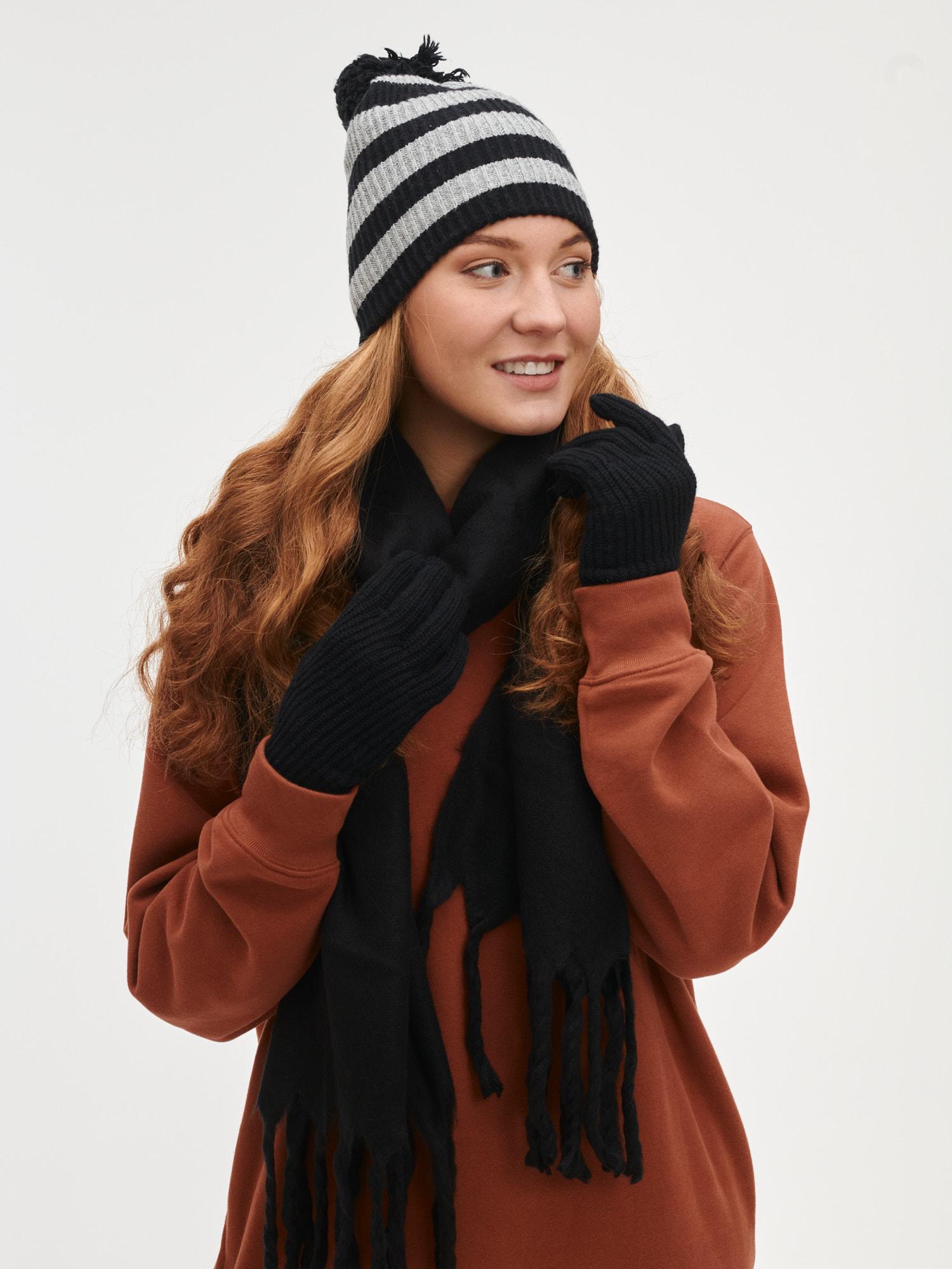 GAP černá dámská čepice - ONESIZE